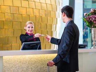 RECEPTIONNISTE EN HOTELLERIE